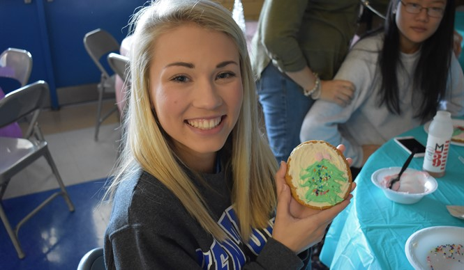 Students decorate Christmas cookies at the CCHS College & Career Ready Extravaganza!