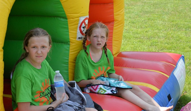 Students at Albany Elementary School enjoy the annual 4th Grade Bash!