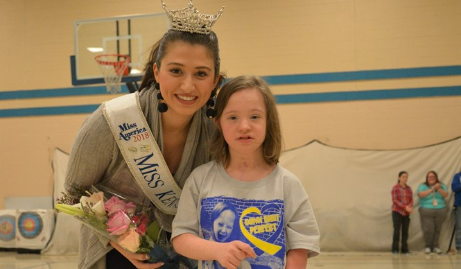 Miss Kentucky 2018, Katie Bouchard of Owensboro, visits ECC & AES.