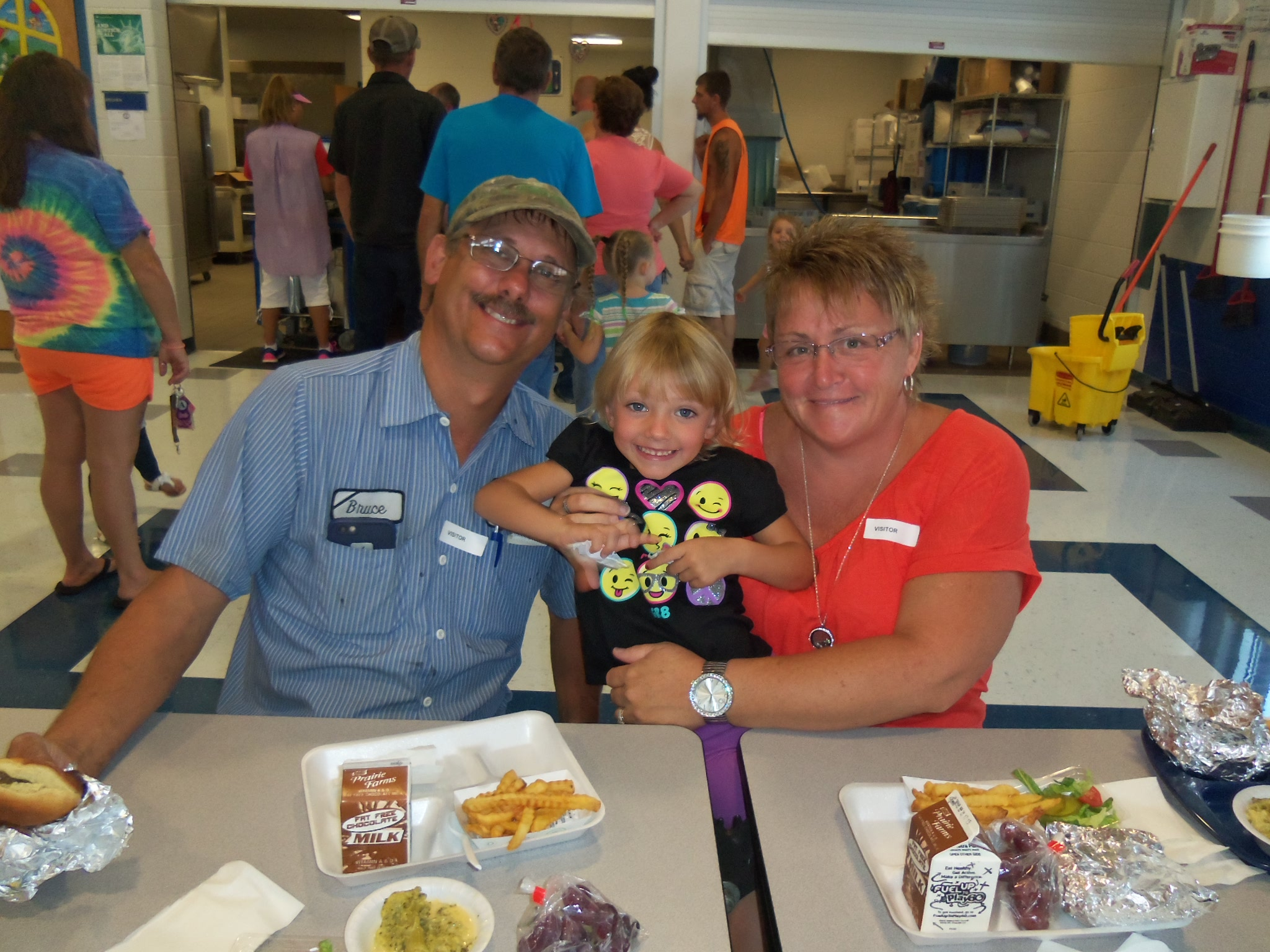 In honor of Grandparents Day on Sunday, September 11th, the Early Childhood Center celebrated by inviting grandparents to visit ECC and eat lunch with their grandchildren.
