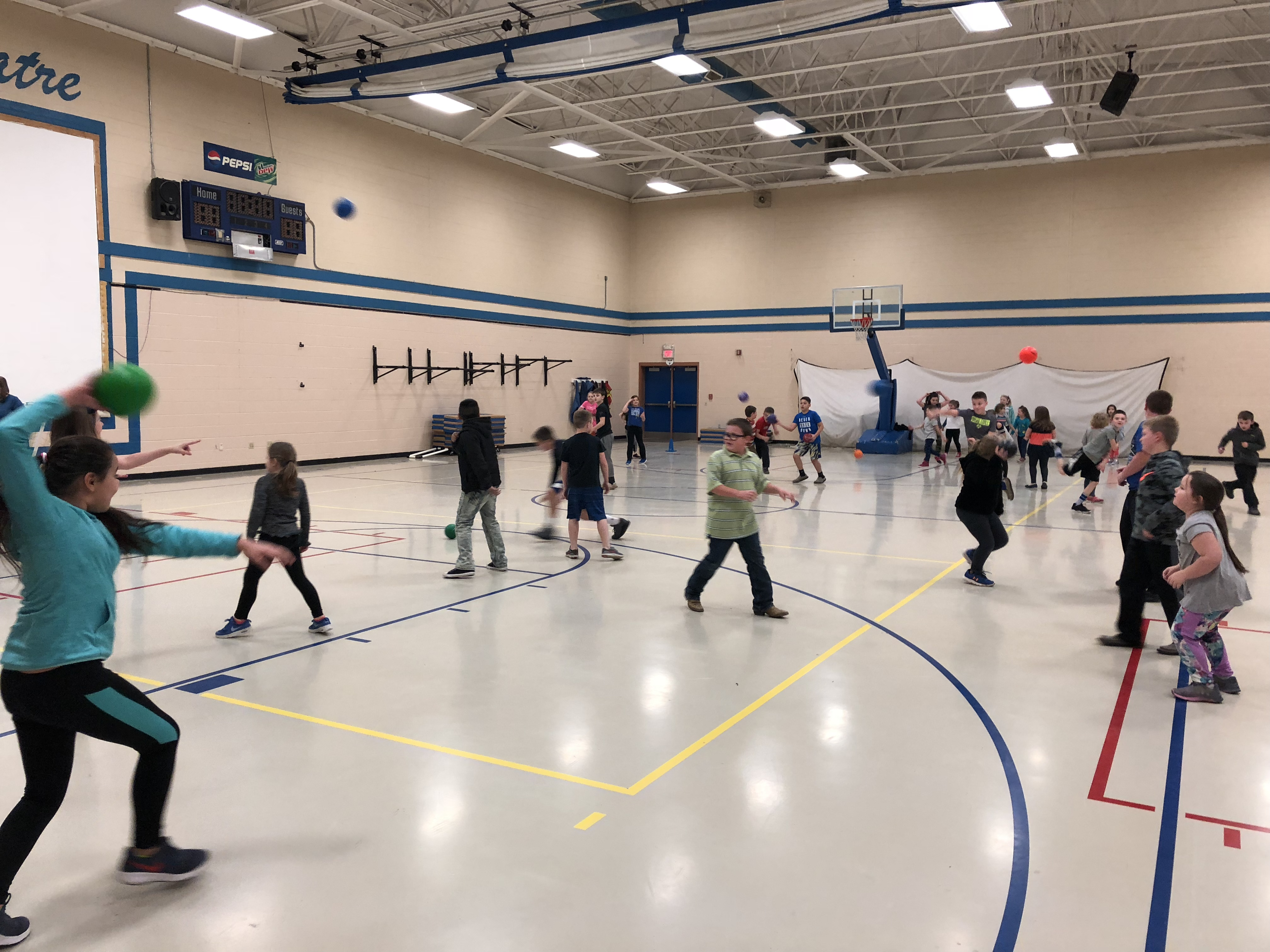 During the spring semester, Clinton County Healthy Hometown is partnering AES 4th graders with 1st grade students to encourage activity and healthy living through Fitness Buddies!