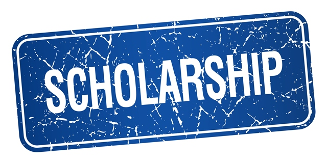 Attention High School Seniors!  Apply now for the Franklin Estates Scholarship!